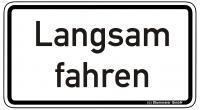 Warn/Hinweisschild Langsam fahren W22