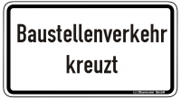 Warn/Hinweisschild Baustellenverkehr kreuzt W27